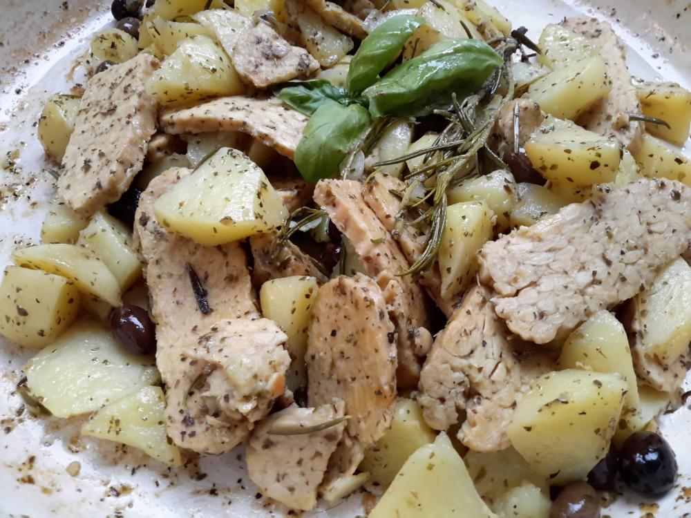 spezzatino di tempeh con olive taggiasche